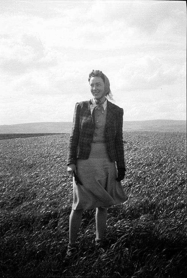 Gladys Joan Bell, c. 1946